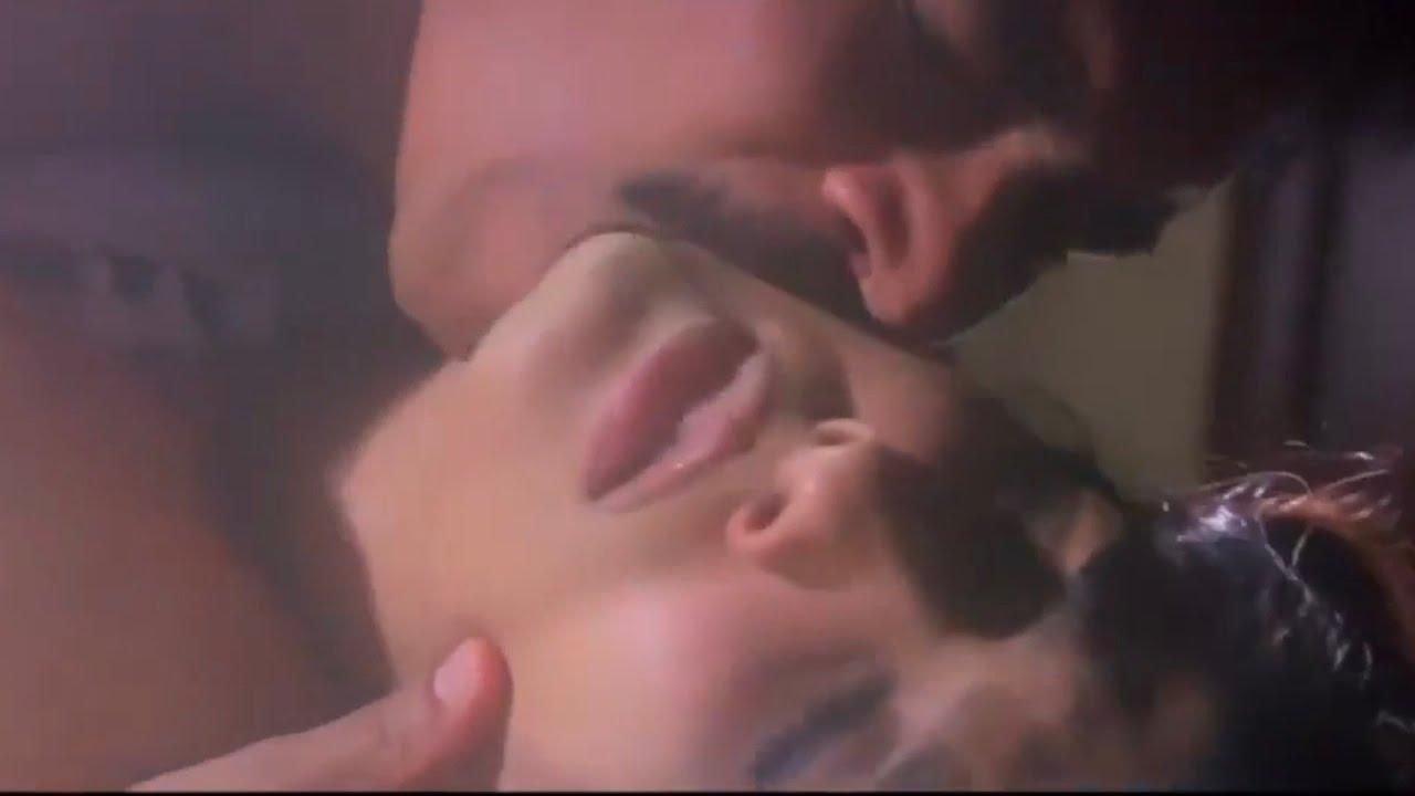 Download Raveena Tandon Bed kiss Scene