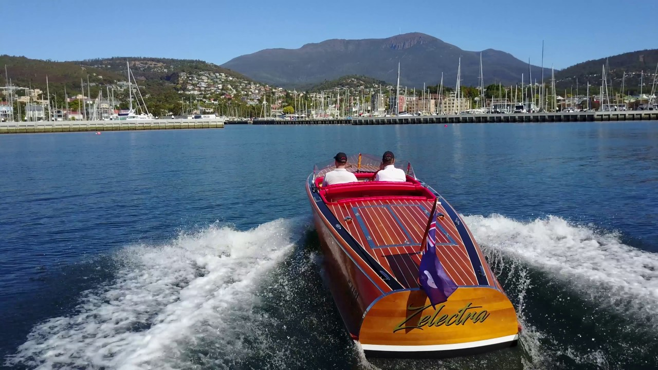 Zelectra - Electric wooden speed boat