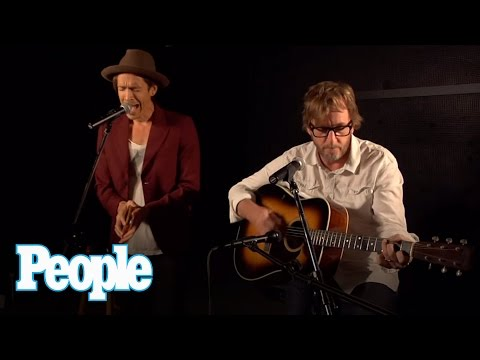 Incubus Frontman Brandon Boyd Goes Acoustic! | People