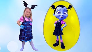 Anabella and Bogdan play with Giant Surprise eggs & open toys