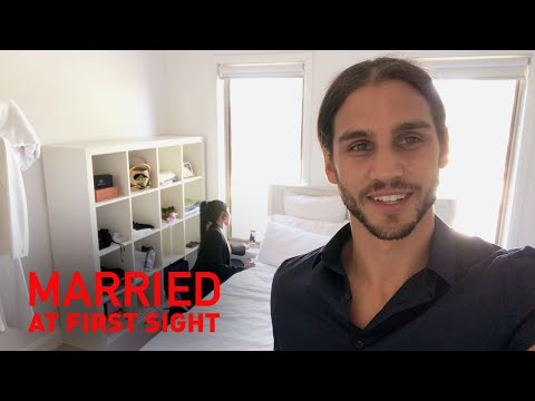 Exclusive: Michael exposes Martha's selfie obsession | MAFS 2019