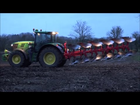 John Deere 6190R, Gregoire Besson Plough