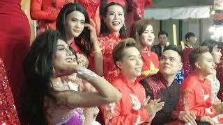 Lô Tô show : Lộ Lộ cùng đoàn lô tô nhảy múa hào hứng trình diễn bài MV vừa ra mắt khán giả