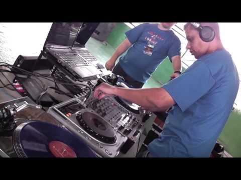 DJ Beto R Bass   Dançando na Praça   20 05 2012