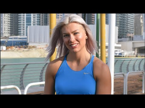 """Marsha, una """"normale"""" personal trainer a Dubai."""