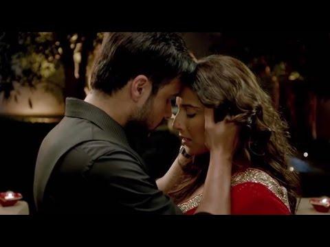 Trailer of Hamari Adhuri Kahani