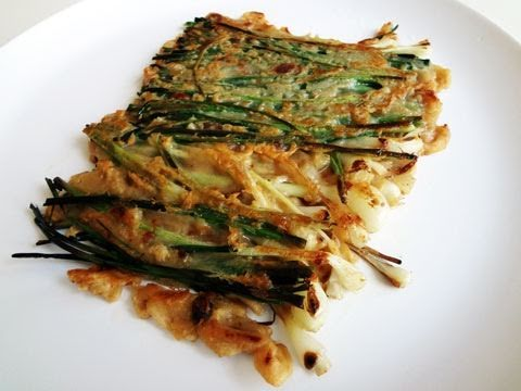Green onion pancake (Pajeon: 파전)