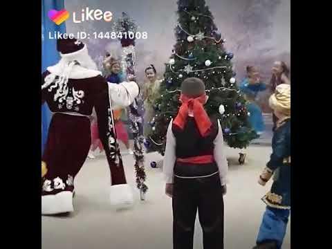 Дед Мороз зажигает 😂