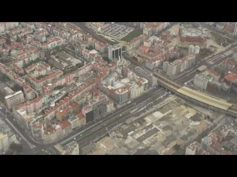 Lisbon-to-Madrid flight takes off toward Atlantic & northbound landing 2011-03-25