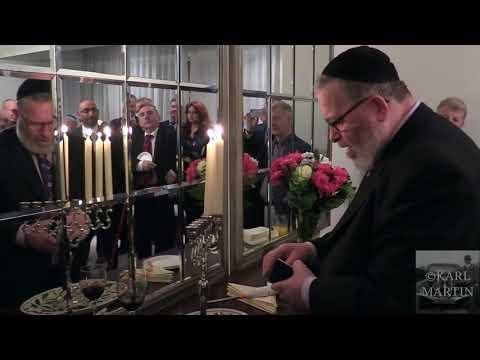 Israeli Ambassador Celebrates Hanukkah In Ireland