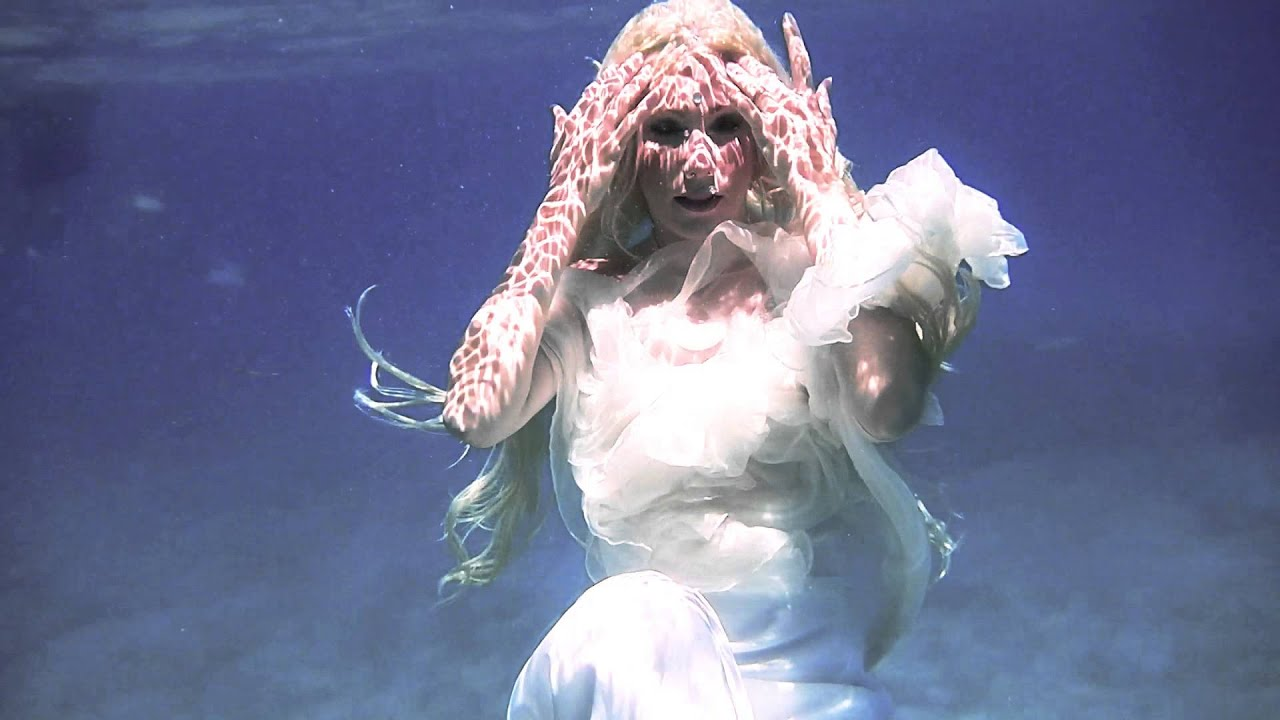 Mermaid Bonnie Underwater In Her Wedding Dress Youtube