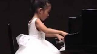 Sora plays Mozart Sonata K331 Allegretto (6 year old)