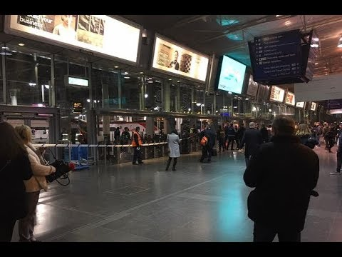 West Coast main line disrupted after cables damaged. - 03-12-17