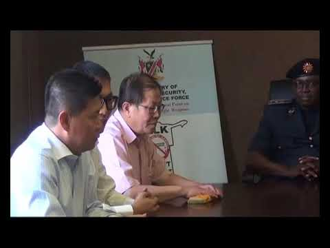 Chinese Chamber of Commerce donates N$ 50 000 toward fighting crime. By: Selma Taapopi