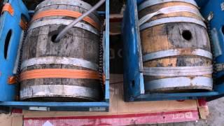 Наполняем дубовые бочки вином и кальвадосом