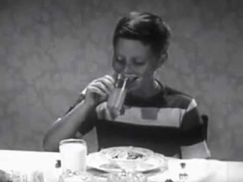 How Kids Used to Eat in 1950s