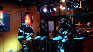 Ultrea, Acoustic Set at Fire on Water