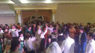 Ногайцы танцуют под современные песни