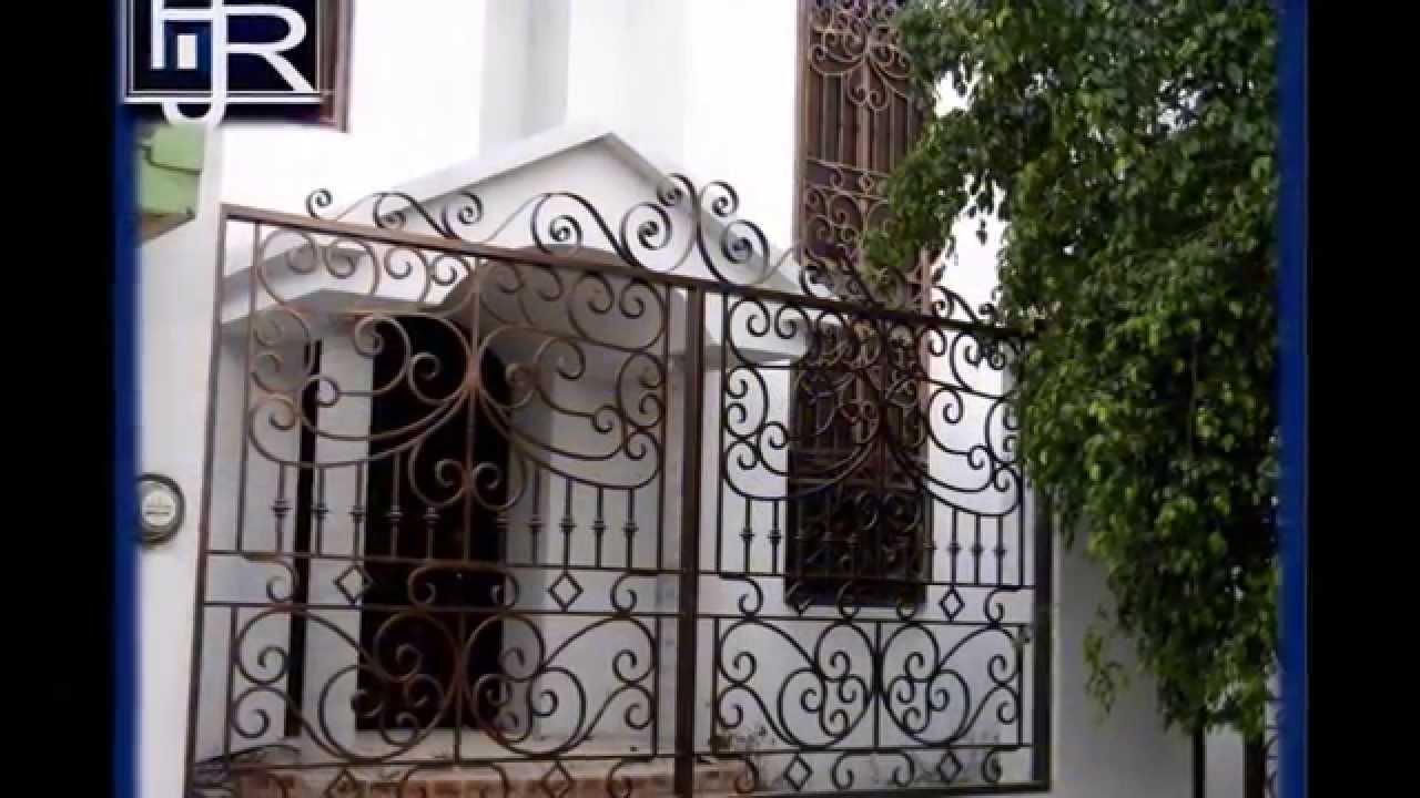 Puertas modernas 2 minimalistas foja acero inoxidable for Puertas de metal minimalistas