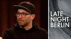 Weltenbummler Mark Forster spricht über seine Mutter beim Bambi! | Late Night Berlin | ProSieben