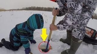ВОТ ЭТО ЩУКА!!!ДВА КРОКОДИЛА С ОДНОЙ ЛУНКИ.ЭТУ РЫБАЛКУ СЫН ЗАПОМНИТ! Зимняя рыбалка на жерлицы.