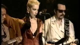 Eurythmics - Love Is A Stranger (Live In Rome 1989)