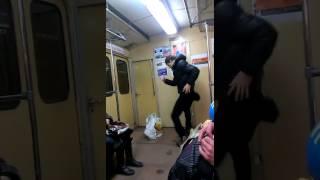 Прикол  харьков метро
