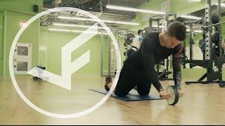 Прокатывание гимнастического ролика с колен