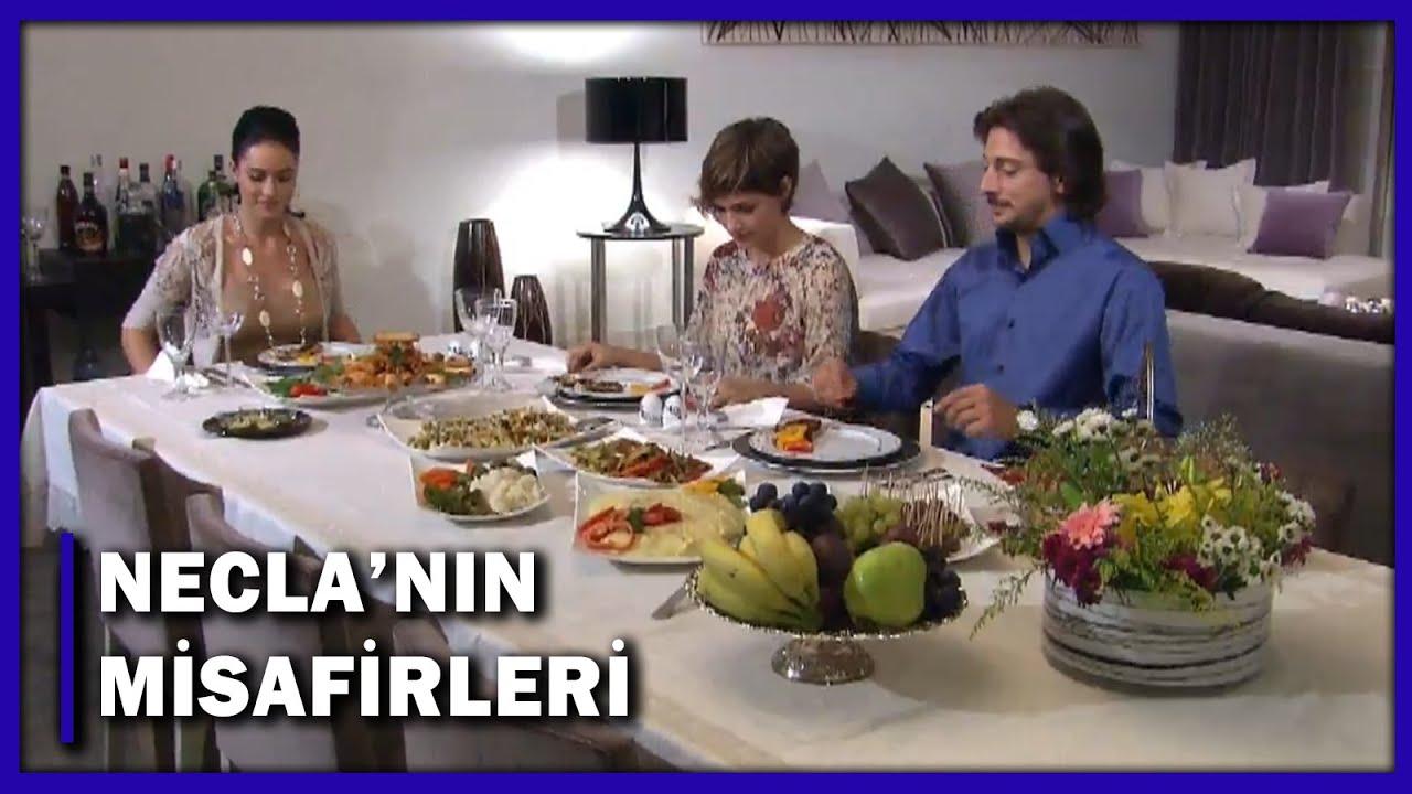Necla, Emir ile Sedef'i Yemeğe Davet Etti! - Yaprak Dökümü Özel Klip