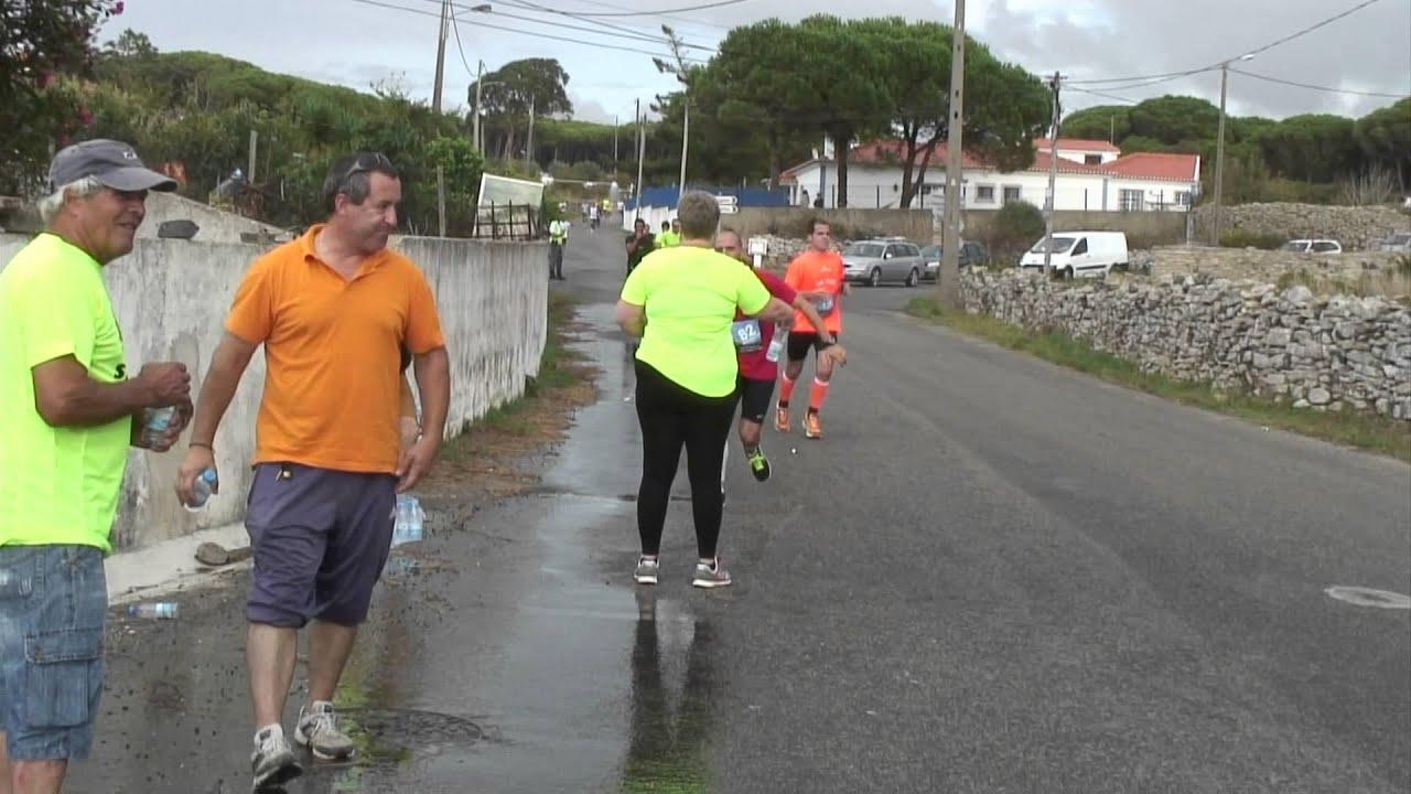 A 38ª Meia Maratona de S. João das Lampas passou pela localidade da Amoreira. E os atletas iam animados.