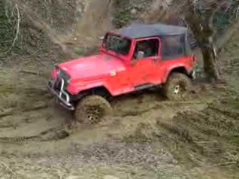 Jeep wrangler dans la boue youtube for 4x4 dans la boue