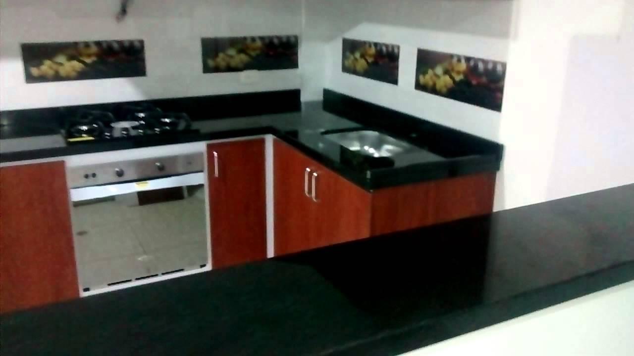 Cocina integral en melanina y mes n en granito negro san for Cocinas en granito natural