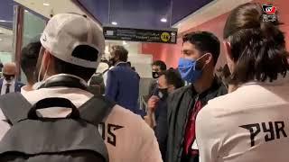 فرجاني ساسي يلتقي بعثة بيراميدز في مطار محمد الخامس بالمغرب