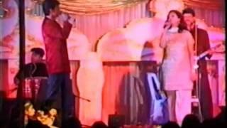 chal pyaar karegi live -sonu nigam and sunita kapur