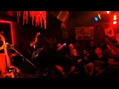 Coffin Nails - Let's wreck (Live @ Wild at Heart Berlin 19.09.2014)