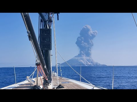 Watch the EXACT moment the Stromboli volcano erupted! (03/July/2019) - Licet Studios