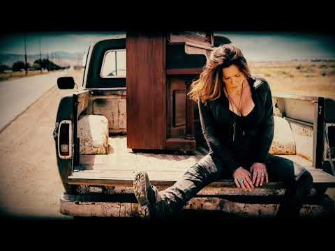 Beth Hart - I Need A Hero (War In My Mind)