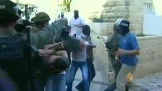 الجيش الإسرائيلي يواصل عمليات اعتقالات الفلسطينيين في الضفة بدعاوى الإرهاب