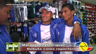 Mardoqueo Henríquez, jugador de la Selecta debuta como reportero.