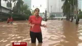 Banjir Jakarta (Bundaran HI) January 2013 (Report by BBC News)