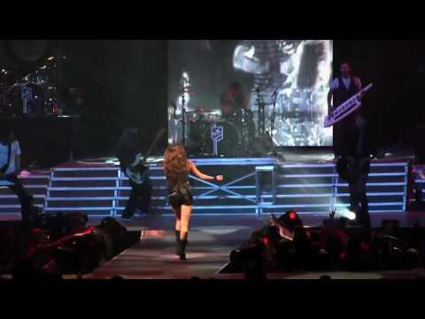 [HD] Miley Cyrus - Kicking And Screaming ( Live Wonder World Tour 2009 )