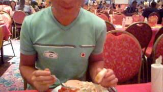 Ужин перед шоу Fantasea phuket(Это видео загружено с телефона Android., 2011-05-31T17:05:08.000Z)