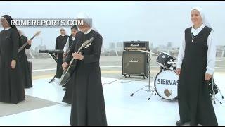 Las Siervas: Las 12 monjas 'poperas' que llenan conciertos por toda América Latina