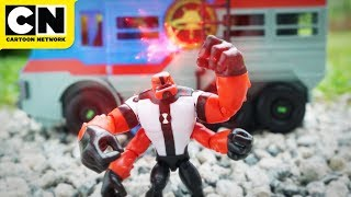 Cool Ben 10 Toys Stop-Motion Animation | LET'S PLAY