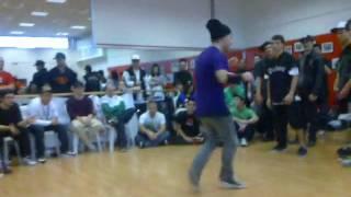 b-boy andy breakdance  pandeamonium crew