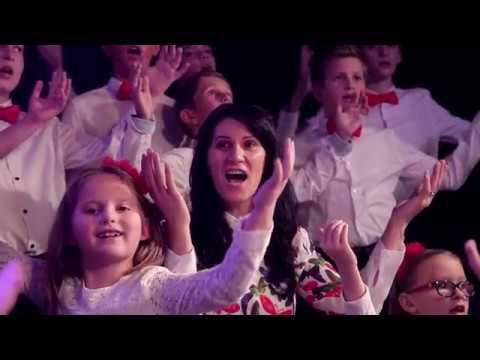 ''Iata o noua stea'' Corul de copii BSCJ&Ani Kraiczar Ursachi(OFICIAL VIDEO)