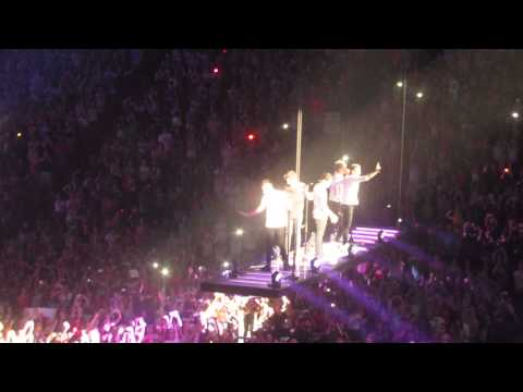 One Direction- Change my mind, Montreal, Bell Center July 4, 2013 HD