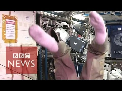 Tim Peake 'yet to master' a somersault in space - BBC News