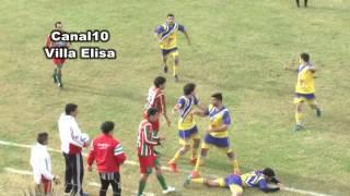 Tragedia nel calcio: giocatore muore per il colpo di un avversario thumbnail