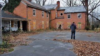 Abandoned Farmhouse Mansion up for DEMOLISHMENT & Gorgeous